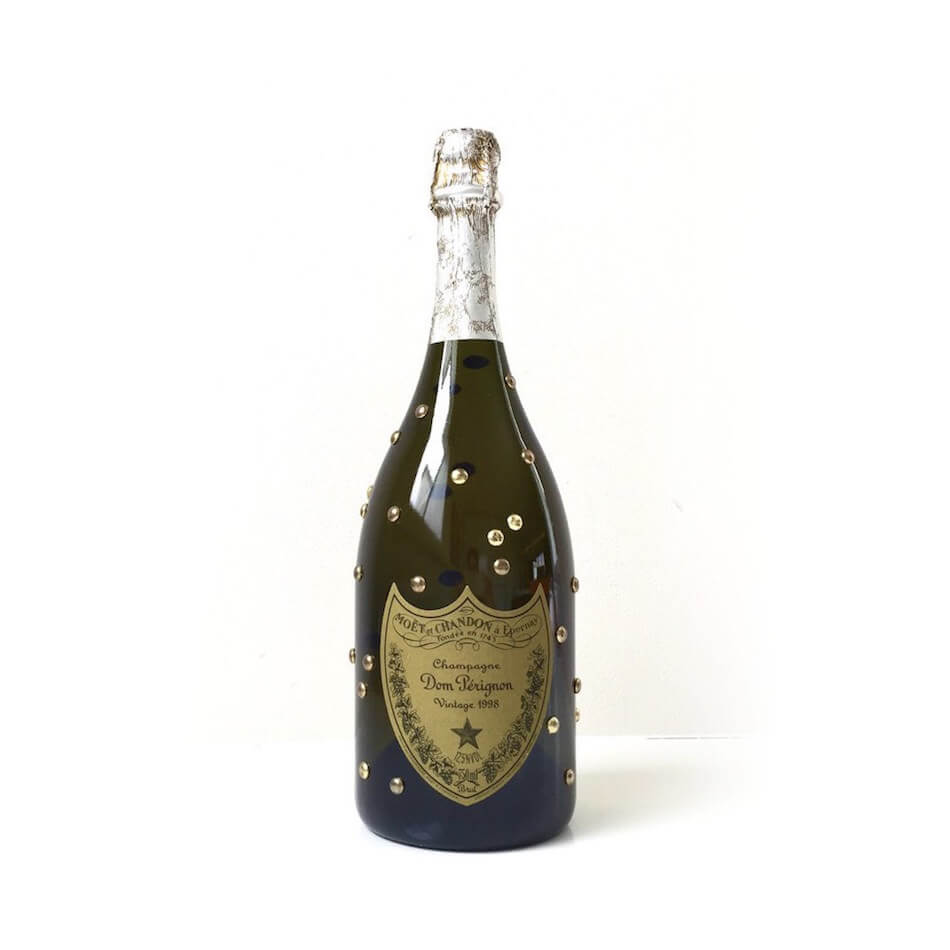 Dom_Perignon_1998_bottle_designed_by_Karl_Lagerfeld_2